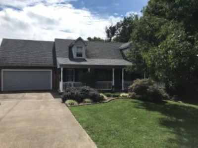 Elizabethtown Single Family Home For Sale: 421 Poplar Trace