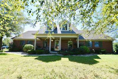 Elizabethtown Single Family Home For Sale: 335 Greenhaven Court