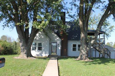 Upton Single Family Home For Sale: 680 Grayson Street