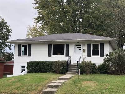Elizabethtown Single Family Home For Sale: 414 Churchill Court