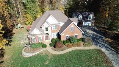 Elizabethtown Single Family Home For Sale: 113 Deer Grove Court
