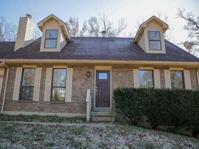 Vine Grove Single Family Home For Sale: 315 Oakwood Circle