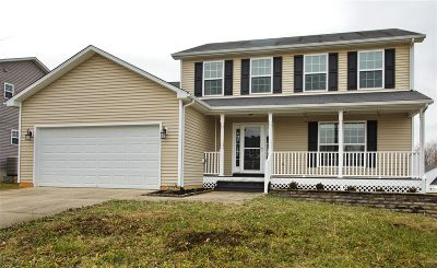 Elizabethtown Single Family Home For Sale: 400 Jey Drive