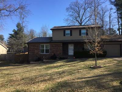 Elizabethtown  Single Family Home For Sale: 303 Chestnut Street