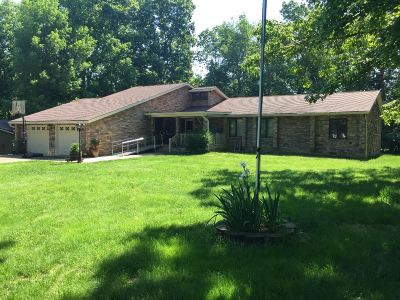 Elizabethtown Single Family Home For Sale: 79 Tanglewood Court