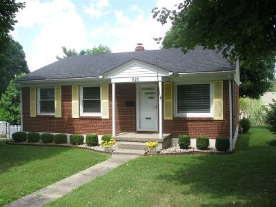 Elizabethtown Single Family Home For Sale: 616 N Mantle Avenue