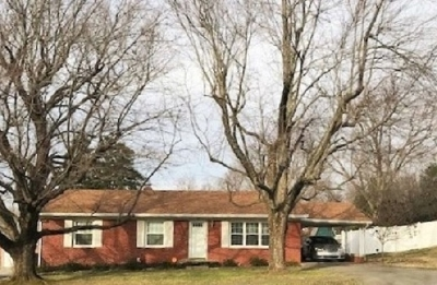 Elizabethtown Single Family Home For Sale: 413 Deepwood Drive