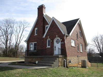 Meade County, Bullitt County, Hardin County Single Family Home For Sale: 208 Holston Estate Lane