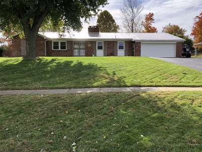 Elizabethtown KY Single Family Home For Sale: $218,000