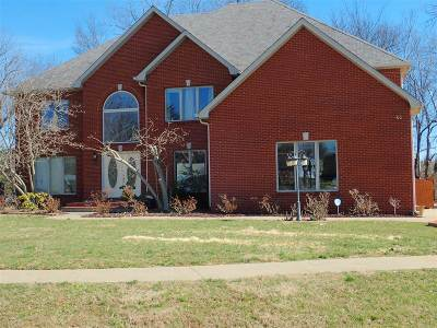 Elizabethtown Single Family Home For Sale: 100 Michigan Court