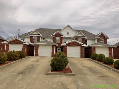 Radcliff KY Multi Family Home For Sale: $221,400