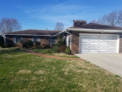 Campbellsville Single Family Home For Sale: 203 Hilltop Drive