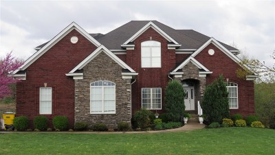 Elizabethtown Single Family Home For Sale: 121 Monticello Place