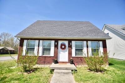 Elizabethtown Single Family Home For Sale: 208 Southern Lake Drive