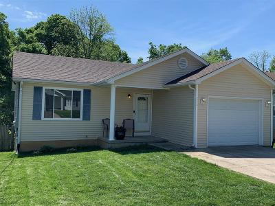 Radcliff Single Family Home For Sale: 715 Andra Drive