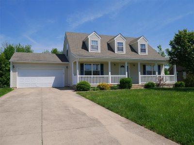 Elizabethtown Single Family Home For Sale: 211 Emmaus Circle