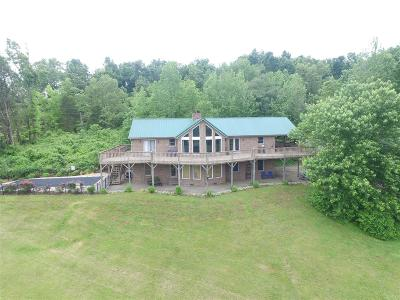 Boston Single Family Home For Sale: 954 Nelsonville Road