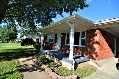 Louisville Single Family Home For Sale: 5605 Sterling Drive