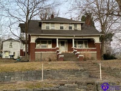Greensburg Single Family Home For Sale: 210 W Court Street