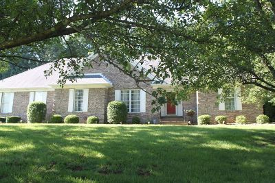Elizabethtown Single Family Home For Sale: 280 Woodsbend Drive
