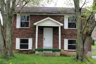 Radcliff KY Single Family Home For Sale: $76,000