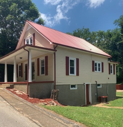 Greensburg Single Family Home For Sale: 115 S 2nd Street