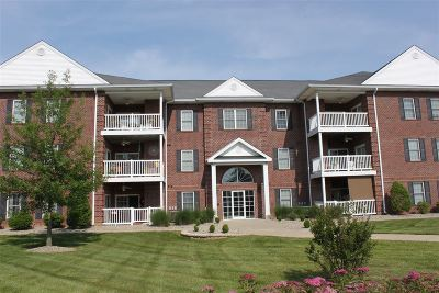 Elizabethtown Single Family Home For Sale: 141 Chase Way #Unit 301