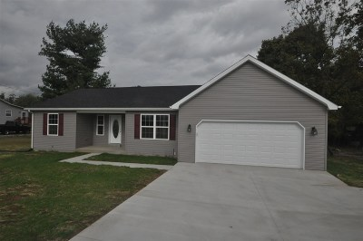 Radcliff KY Single Family Home For Sale: $189,500