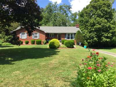 Elizabethtown Single Family Home For Sale: 616 Debra Lane