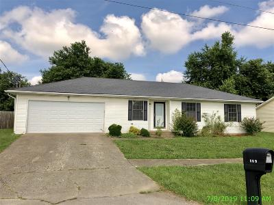 Radcliff KY Single Family Home For Sale: $122,700