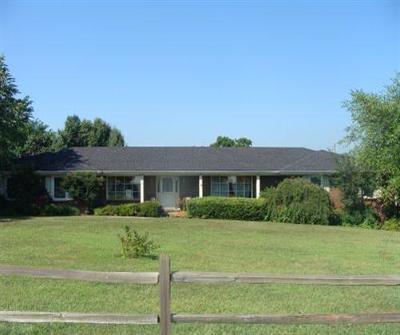 Lancaster Single Family Home For Sale: 1517 Danville Road
