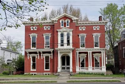 Single Family Home For Sale: 253 North Broadway