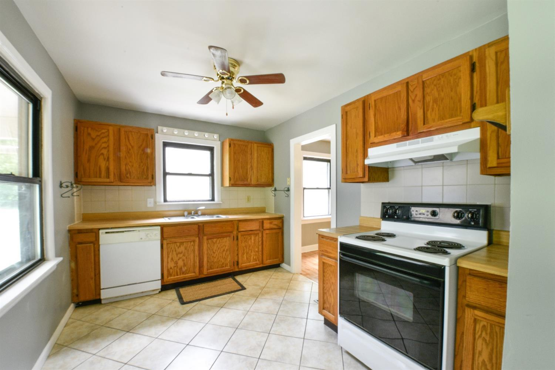 Listing 229 Elmwood Drive Lexington Ky Mls 1711773 Jerry . Kitchen Cabinets  ...