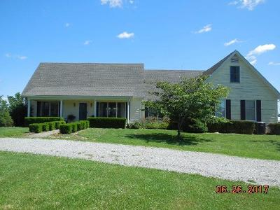 Lawrenceburg Single Family Home For Sale: 1221 Johnson Road