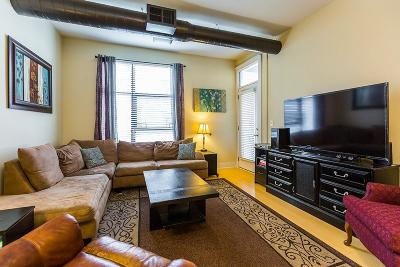Lexington Condo/Townhouse For Sale: 535 S Upper #224