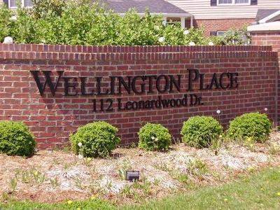 Frankfort Condo/Townhouse For Sale: 112 Leonardwood Drive #104