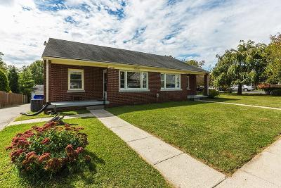 Single Family Home For Sale: 1738 Courtney Avenue