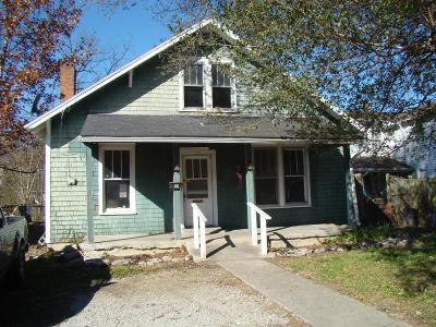 Frankfort Single Family Home For Sale: 922 Holmes Street