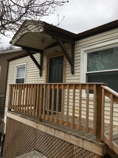 Frankfort Single Family Home For Sale: 308 Virginia Avenue