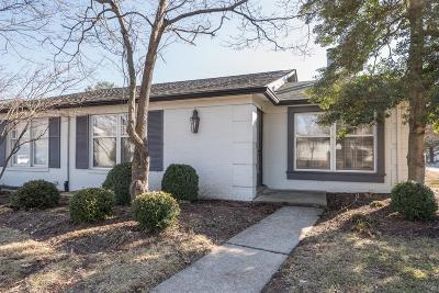 Lexington Condo/Townhouse For Sale: 395 Redding Road #25