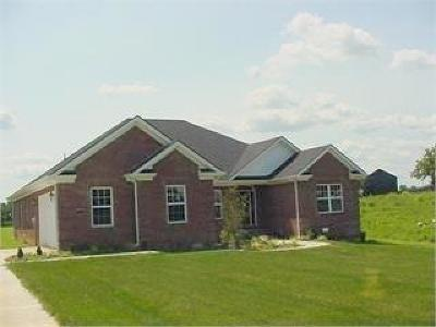 Nicholasville Single Family Home For Sale: 310 Whispering Brook Drive