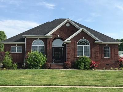 Lawrenceburg KY Single Family Home For Sale: $325,000