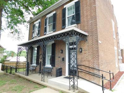 Carlisle Single Family Home For Sale: 101 W Chestnut
