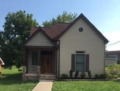 Nicholasville Single Family Home For Sale: 110 W Brown Street