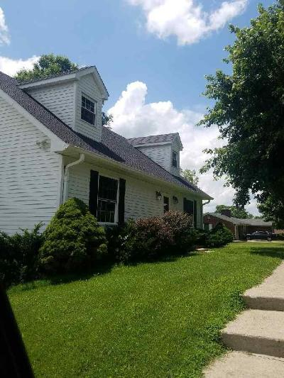 Lancaster Single Family Home For Sale: 103 Longview Ct