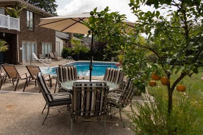Lexington Single Family Home For Sale: 2024 Shadybrook Lane