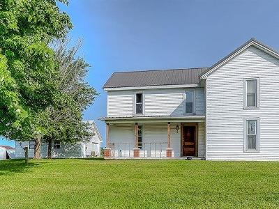 Lancaster Single Family Home For Sale: 3717 Kirksville Road