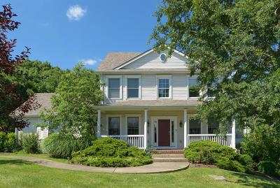 Richmond Single Family Home For Sale: 144 Avawam Drive