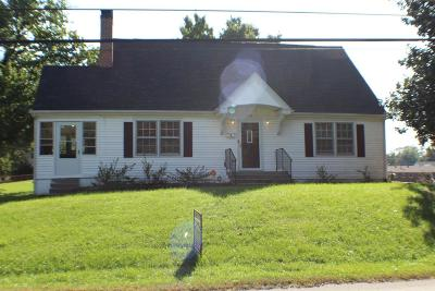 Frankfort Single Family Home For Sale: 219 Lyons Drive