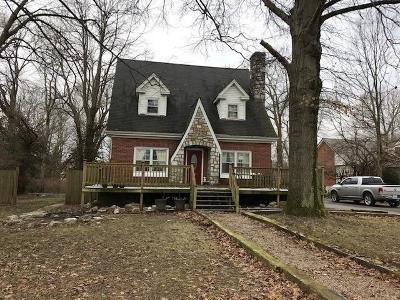 Lawrenceburg Single Family Home For Sale: 615 N Main Street